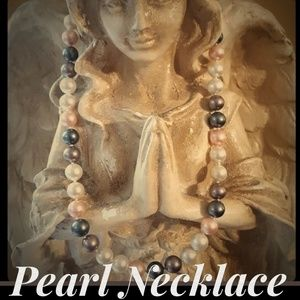 Jewelry - Multicolor Faux Pearl Necklace